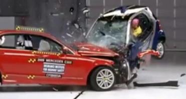 汽车碰撞演示